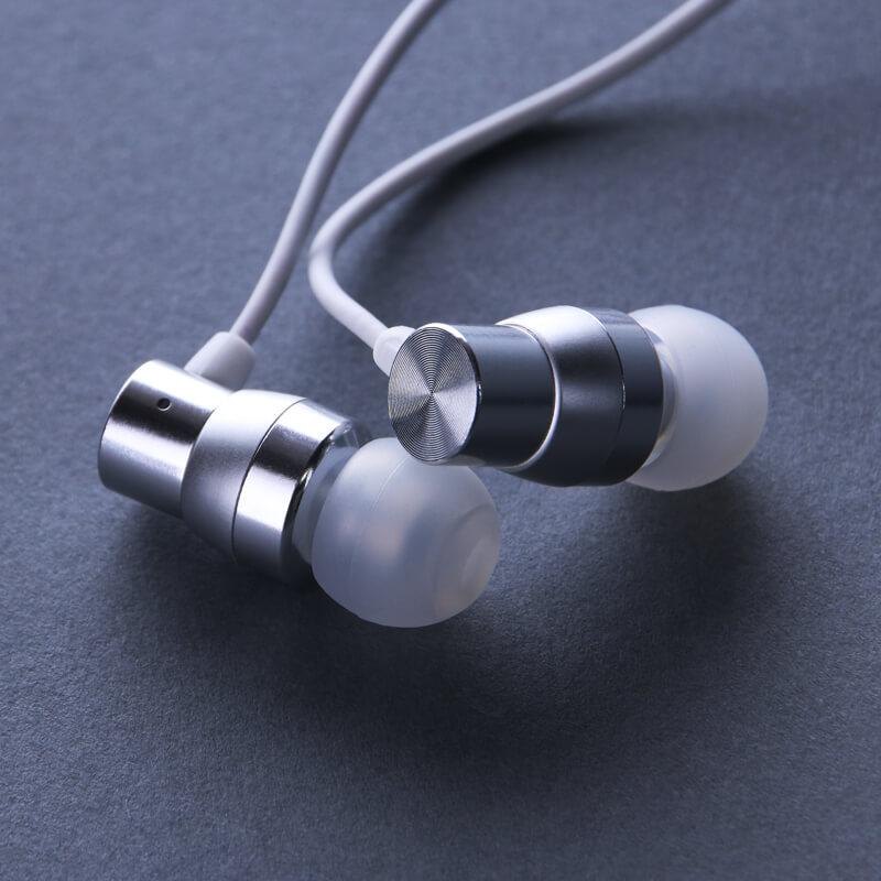 スマートフォン(汎用) イヤフォン(ボリューム/マイク付)「極の音域 Type-C Premia」 ホワイト
