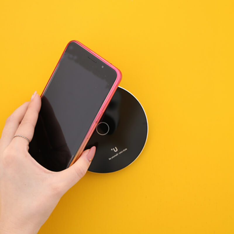スマートフォン汎用【+U】Qi(チー)スターターキット/ワイヤレス充電アダプター(micro USB)+ワイヤレス充電器(シングルコイル)/ブラック