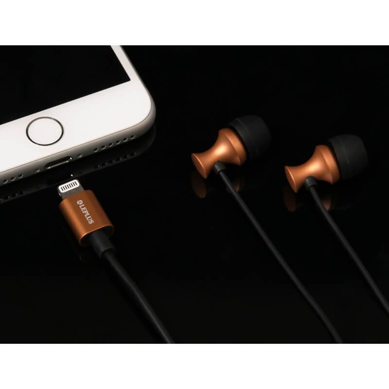 iPhone/iPad/iPod Lightningコネクタ対応イヤフォン(ボリューム/マイク付) 「極の音域 Digital Feel 匠」 シルバー