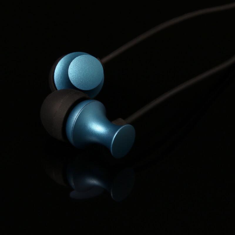 iPhone/iPad/iPod Lightningコネクタ対応イヤフォン(ボリューム/マイク付) 「極の音域 Digital Feel 匠」 ダークブルー